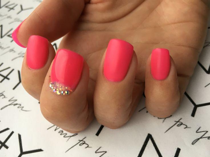 Pink negle