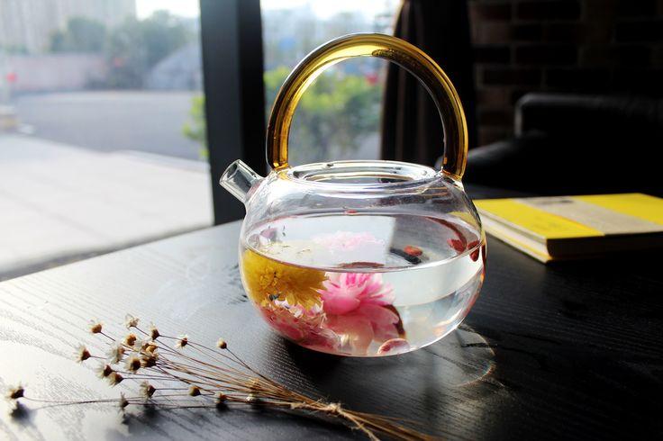 Flores en el té