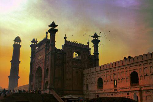 Lahore   Pakistan (by Lorenzo Giove)