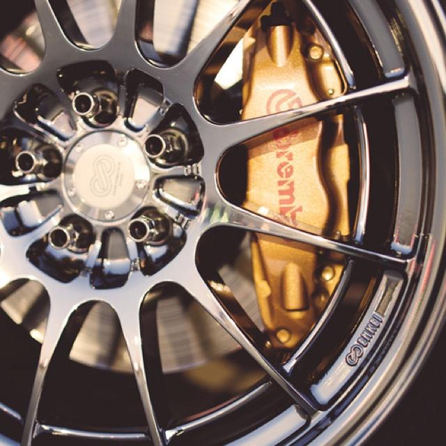 Brembo Brakes & Enkei Wheels