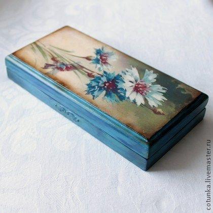 Preciosa caja decorada en tonos azules