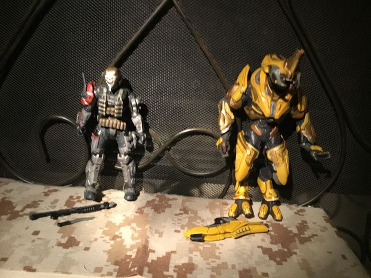 Halo Reach McFarlane Toys Spartan Noble Team Emile & Elite General