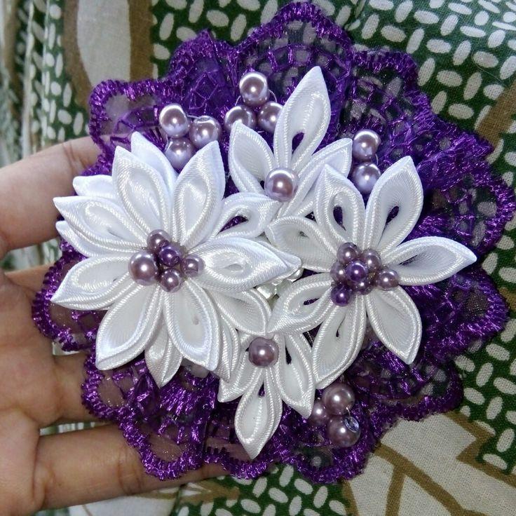 Purple and white...pretty flower...😍