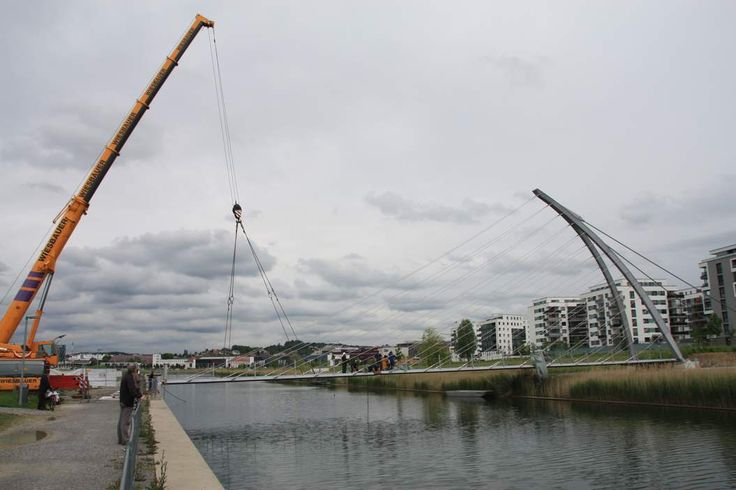 Böblingen -Neues Stadtviertel Flugfeld - Die Brücke am Langen See ist geschlagen