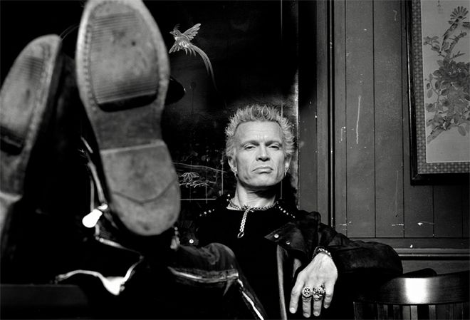 BILLY IDOL - Kings & Queens Of The Underground - http://www.avalost.de/12163/spotlight/billy-idol-kings-queens-of-the-underground