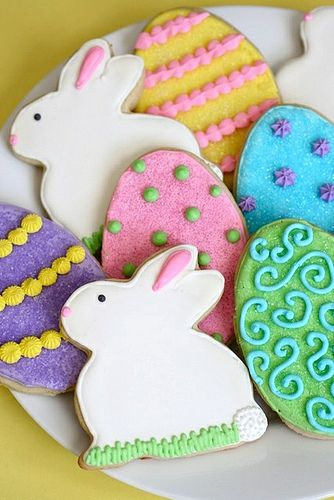 Believe it or not, I thought I could get through the Easter holiday without decorating some sugar cookies for the occasion. I saw some adorable bunny cookie cutters that completely … Read More