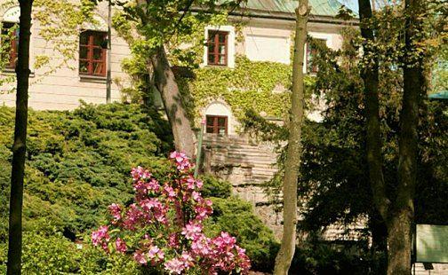 Zachęcamy do skorzystania z majowych promocji pobytowych w Manor House :)