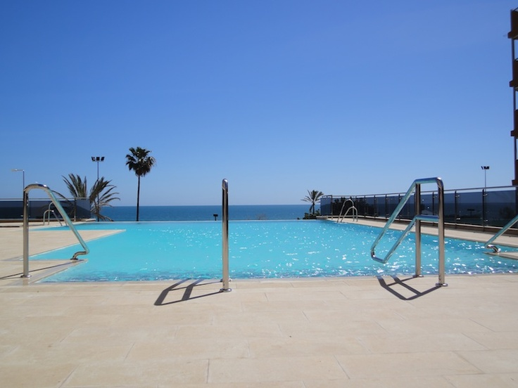 Piscina - Infinity - Pool  Hotel Angela. Fuengirola, Costa del Sol. SPAIN