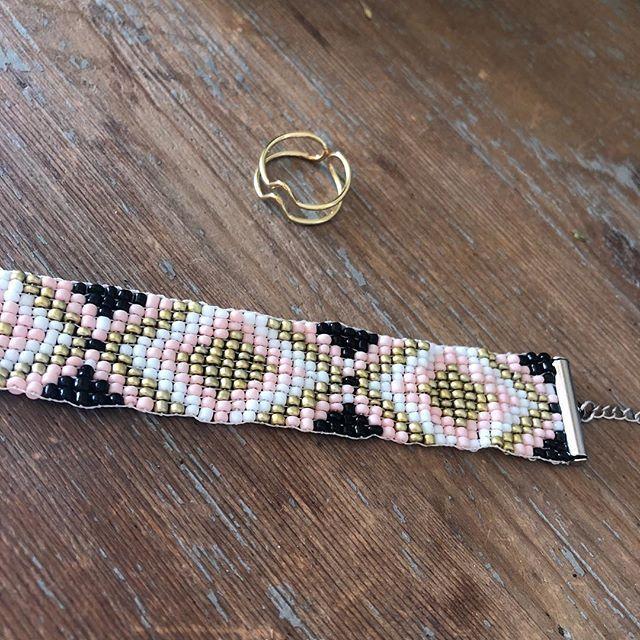 Prix de folie  Bracelet et bague à shopper sur www.monstorefashion.com #bijou #bijoux #bijoufantaisie #msflovesyou #fashion #fashionmood #fashionstyle #bracelet #bague