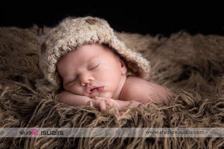 Fotografie professionali per neonati. #fotografo #newborn #maglia