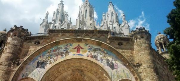 #barcelone #barcelona #барселона #чемзаняться #кудапойти #чтопосмотреть #достопримечательности #горы #горатибидабо #tibidabo #тибидабо Храм Святого Сердца на горе Тибидабо в Барселоне. Достопримечательности Барселоны: Гора и парк Тибидабо   Барселона10 - путеводитель по Барселоне