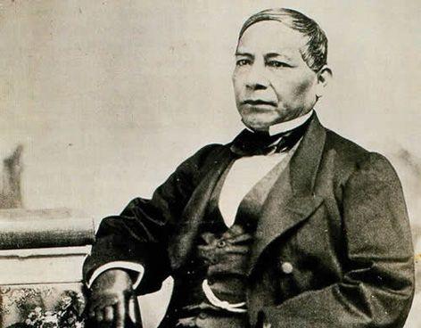 """""""No deshonra a un hombre equivocarse. Lo que deshonra es la perseverancia en el error""""  Benito Juárez García"""