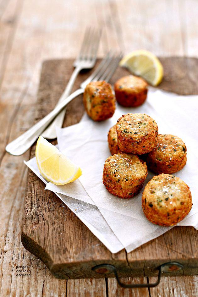 Tuna croquettes // shallots, parsley, soy sauce, egg, egg white, tuna, ginger, breadcrumbs, salt, oil
