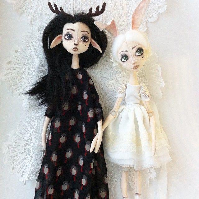 Фото про зайцев и оленей  #ручнаяработа #кукла #куклаизткани #интерьернаякукла #авторскаякукла #шарнирнаякукла #cottondoll #rabbit #deer #doll