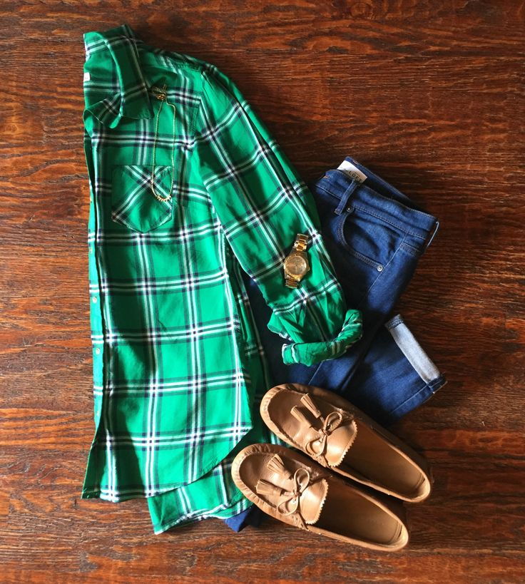 Insta-Style: Five Days of Casual Fall Outfits  : Outfit #5:  Plaid Button Down + Skinny Jeans + Tassel Loafers #dailymomstyle #easyoutfits #packinglists #style #getyourprettyon