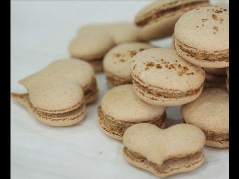 Recette inratable des macarons Parisiens à la meringue française. Recette à faire chez soi en moins de 15 mins. Les astuces inratables. Suivez bien la vidéo,...