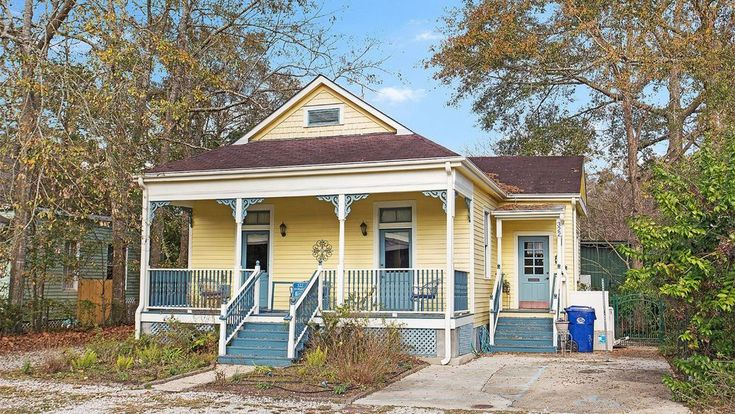 This charming wooden cottage in Covington, Louisiana, is zoned for both commercial and residential purposes, making it a versatile twofer.