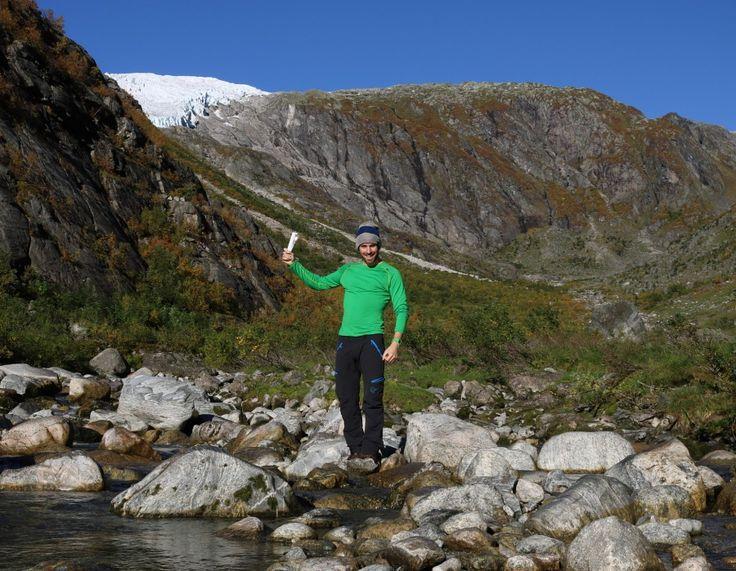 Fleire isbrear har smelta så mykje at det er vanskeleg og risikofylt å halde fram frontposisjonsmålingane. – Det er vemodig, seier senioringeniør i NVE, Hallgeir Elvehøy.