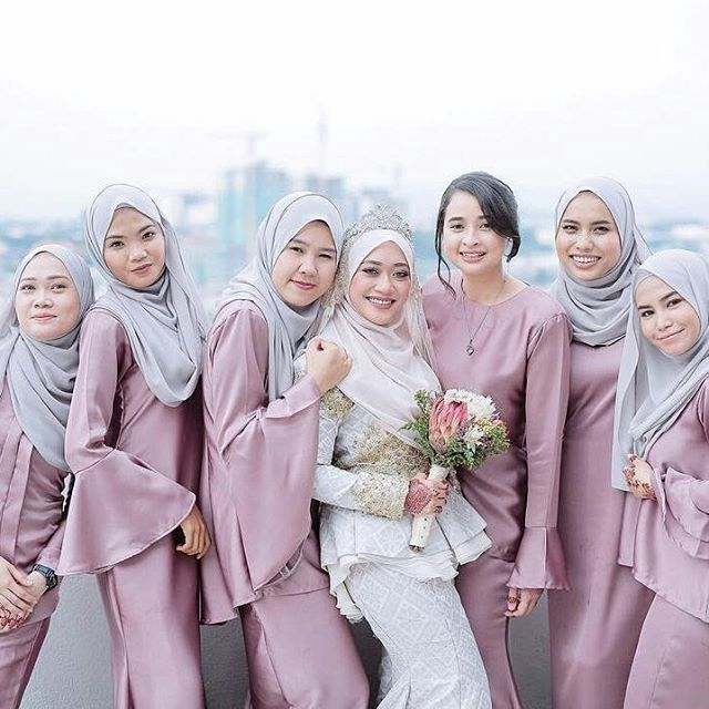 Wedding Gown Malaysia: Lovely Photo Of A Malaysian Bride And Bridesmaids, By