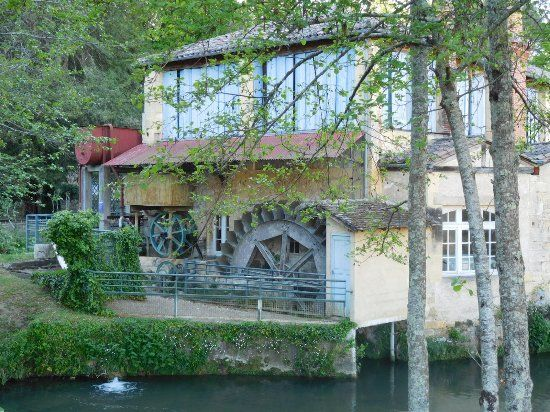 SITES: The Rouzique paper mill, built in the 15th century, was scrupulously safeguarded. Visitors of all ages can discover the secrets of master papermakers. A guided tour will show you all the stages of handpapermaking.