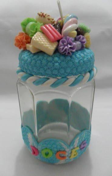 Pote para doces decorado em biscuit