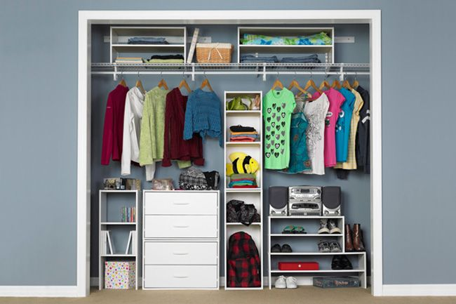 ClosetMaid® Stackable Storage products are the perfect pieces for a storage area that requires a unique solution. Whether renting an apartment or living in a dorm room, these organizers add storage without mounting anything to a wall.