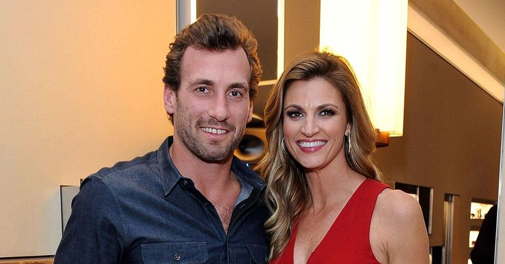 Erin Andrews, Jarret Stoll tie the knot in Montana wedding #Entertainment_ #iNewsPhoto