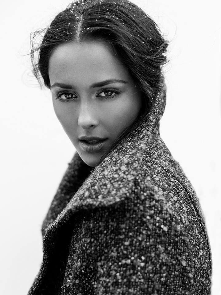 Modèle Valérie @ Montage Models | Photographe Dariane Sanche #Fashion #Beauty #Portrait #Blackandwhite #Woman