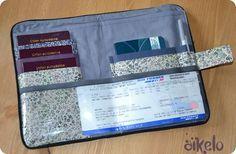 Pochette de Voyage. A faire absolument avant l'an prochain, pour garder ensemble passeports, billets et autres petites choses essentielles.