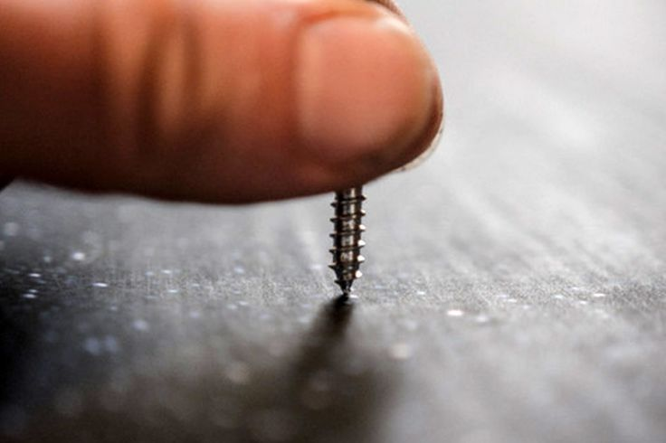 Un homme perce 10 000 trous dans une photo, le résultat final est absolument stupéfiant!