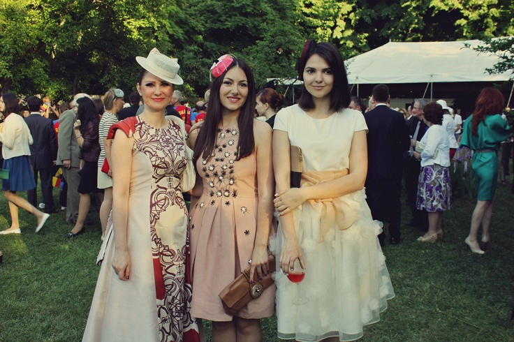 Ioana Voicu of www.mauvert.com, milliner Kristina Dragomir and blogger Doina Ciobanu from The Golden Diamonds attend The Royal Garden Party on The 10th of May in Bucharest, Romania. Full coverage of the event on http://mauvert.com/2013/05/13/garden-party-oferit-de-casa-regala-a-romaniei-2013/