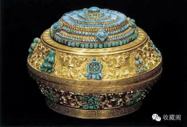 Gold box with turquoise inlays, Qing Dynasty. Collection of China National Palace Museum, Beijing