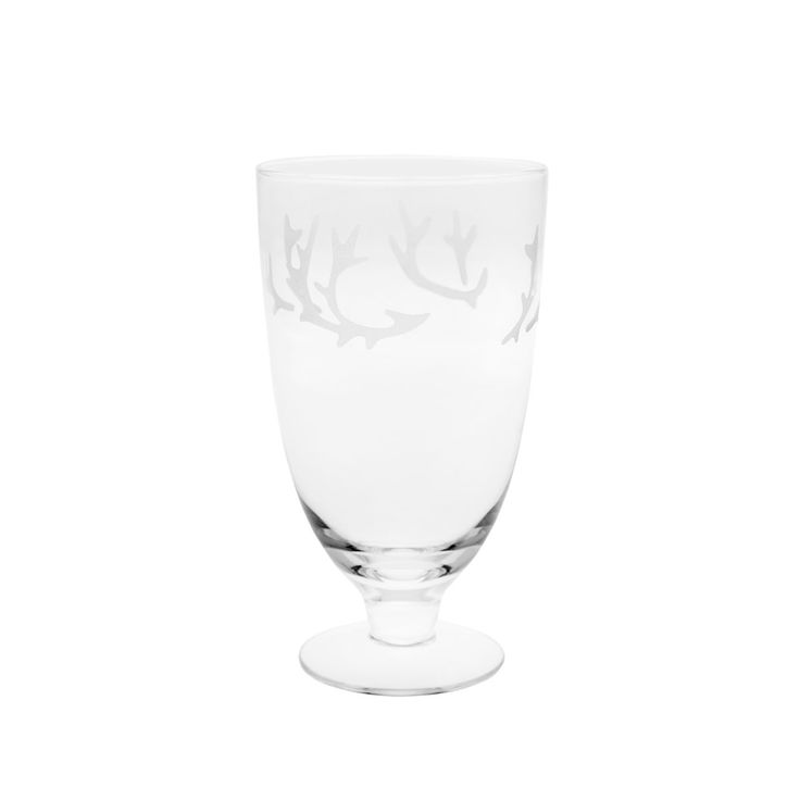 True to the Nordic nature and Scandinavian spirit, reindeer antlers adorn the Pentik Saaga Beer Glass. Designer Minna Niskakangas was inspired by nature and cave painting techniques for the pattern, wh