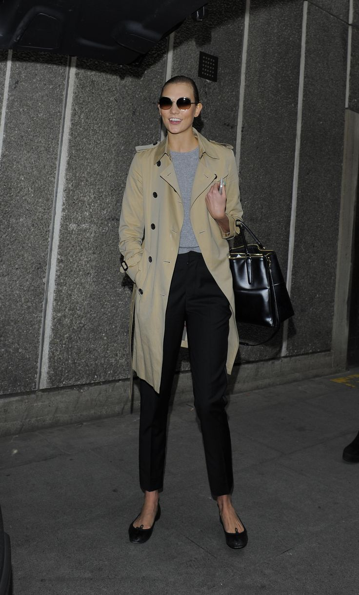 Karlie Kloss in a Burberry trench coat at Vogue Festival 2014