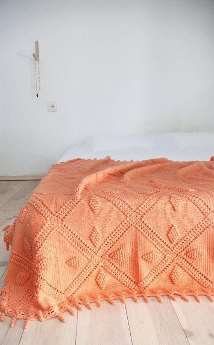 Crochet. Coral. Simple.