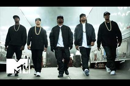 video Straight Outta Compton (2015) | Official Theatrical Trailer NWA Movie #Icecube #DrDre The group NWA emerges from the streets of Compton, California in the mid-1980s and revolutionizes pop culture with their music and tales
