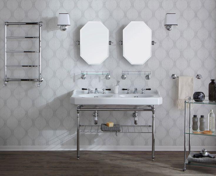 les 25 meilleures id es de la cat gorie salles de bains bleues sur pinterest peinture de salle. Black Bedroom Furniture Sets. Home Design Ideas
