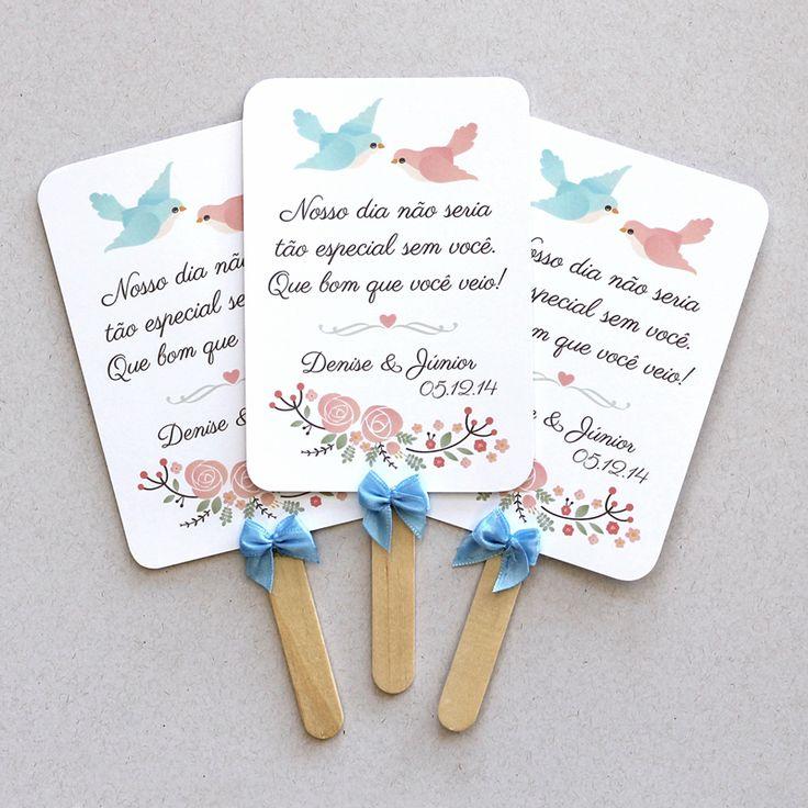 Leques de papel personalizados da Denise e do Júnior. Modelo Passarinhos, com laços azuis. Lembrancinha fofa, útil e econômica!