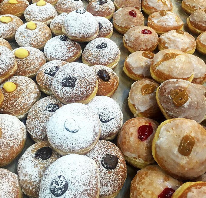 Donuts at Lalapa