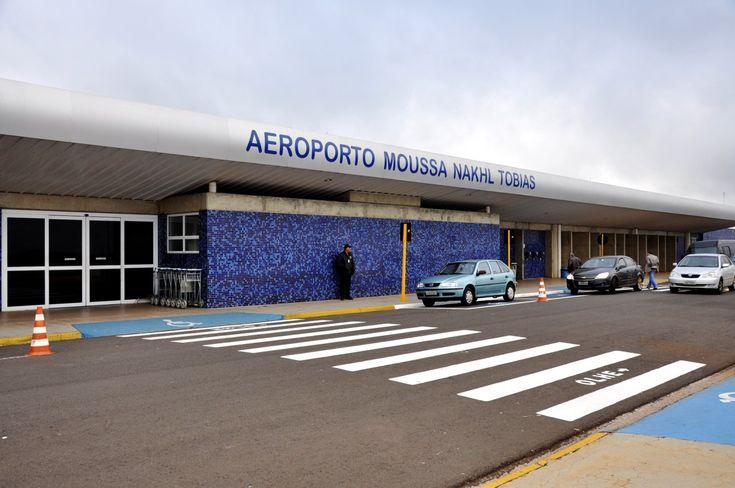 Bauru contará com voo direto até Porto Seguro -   De 17 dezembro deste ano a 28 janeiro de 2017, a Azul Linhas Aéreas Brasileiras irá operar com voo sem escalas entre Bauru e Porto Seguro. O anúncio, feito pela empresa, ocorrerá como forma de aliviar a demanda nesta alta temporada de verão. O voo temporário ocorrerá semanalmente aos sába - http://acontecebotucatu.com.br/regiao/bauru-contara-com-voo-direto-ate-porto-seguro/