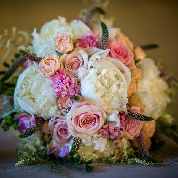 Idee di stile : il matrimonio in stile Shabby Chic. Se desideri un matrimonio Shabby Chic, prendi ispirazione dal matrimonio di Marta e Stefano! #flowers #shabbychic #wedding #matrimonio