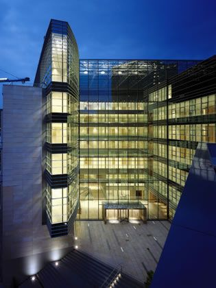 Mondrian business centre - Simes S.p.A. luce per l'architettura