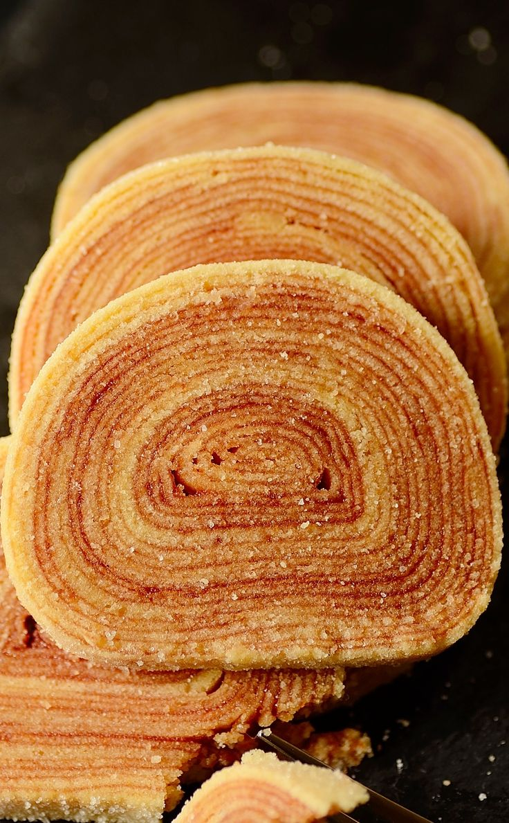 18 layer cake roll on FOOD52. One of the most iconic Brazilian cake recipes with tips and tricks is available to you.