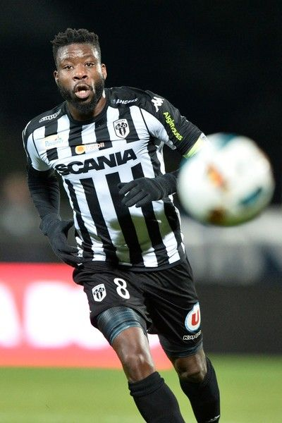 Angers' Ivorian defender Ismael Traore runs during the French L1 football match between Angers (SCO) and Bordeaux (FC), on January 14, 2017, at Jean Bouin Stadium, in Angers, northwestern France.  / AFP / JEAN-FRANCOIS MONIER