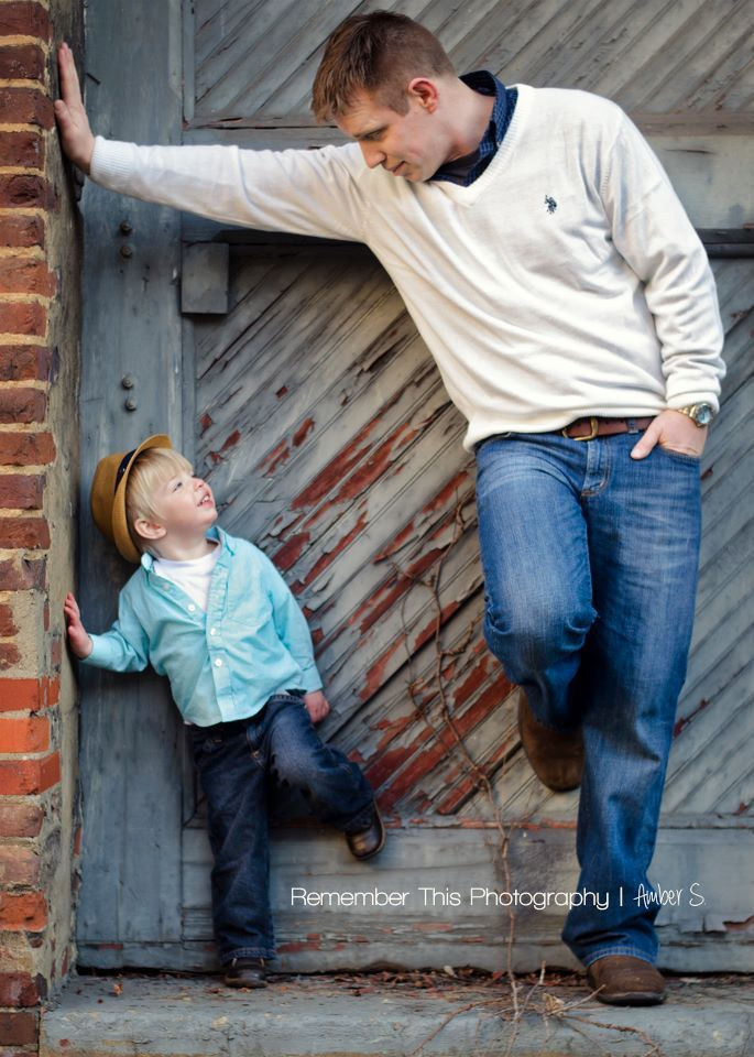 daddy father son poses photoshoot ideas www.facebook.com/rthisphotography