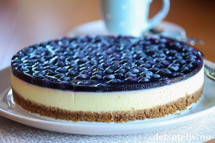 Ostekake med blåbærlokk | Det søte liv