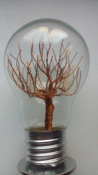 Wire tree - měďený v žárovce