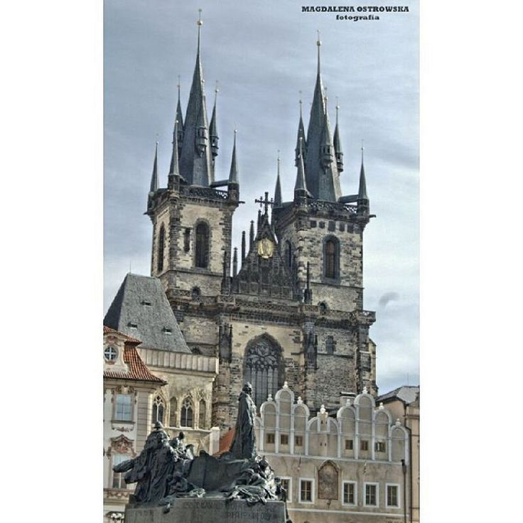 #prague #czechrepublic #monument #urban #buildings #architecture #modern #highbuildings #abstract #cities #skyscraper #modernlife #beauty #wealth #wealthy #modernarchitecture #instagood #photography #lighting #landscape #travel #culture #style...