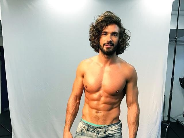 Lose weight and tone up fast with this 2 week workout plan from Joe Wicks AKA The Body Coach.