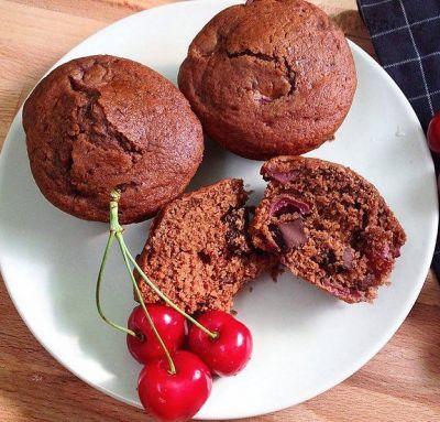 Recept, podle kterého se vám Čokoládovo třešňové muffiny zaručeně povede, najdete na eMimino.cz. Podívejte se na fotografie a hodnocení ostatních kuchařů.